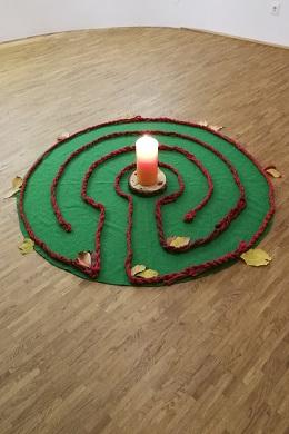 Bild: Mit dem Labyrinth durch das Jahr 2021/2022 - Herbst